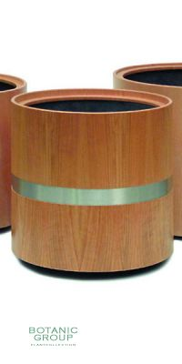 Wood Planter with a stealring