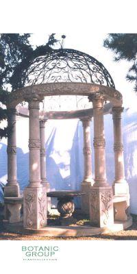Antiker Gartentempel mit 6 Säulen