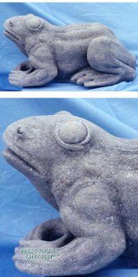 Frosch-Statue